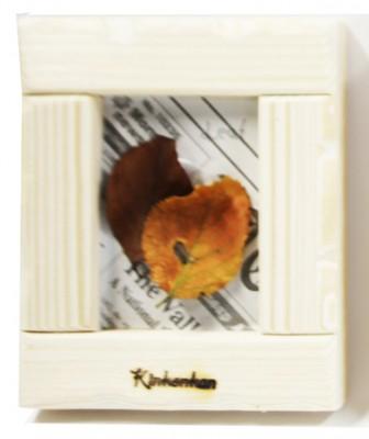 秋をとじこめた木製フレーム/木根館